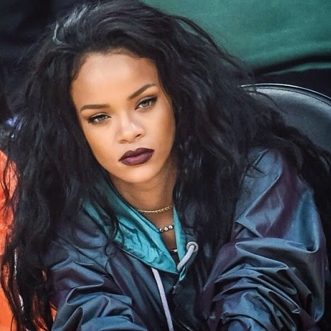 Rihanna achieve 100 million digital songs certification | WE